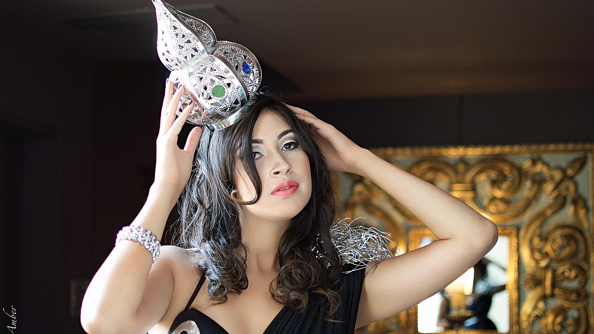 Una cordobesa expuso sus vestidos arte en venecia musa for Modelo cordobesa