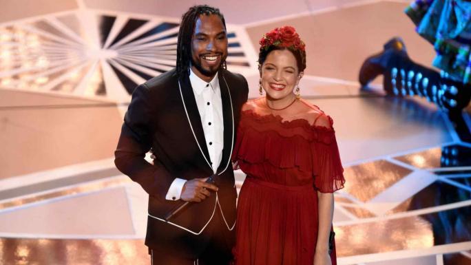 Video, Gael García Bernal cantó la canción de Coco y generó polémica