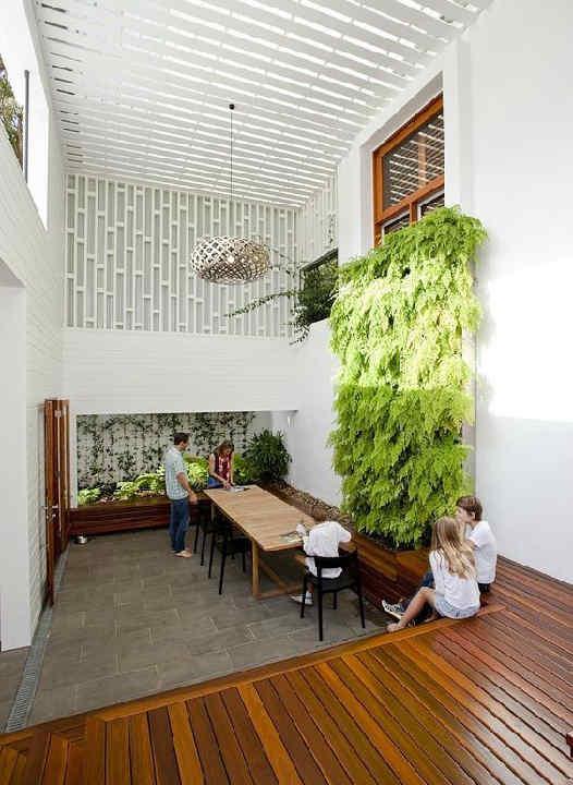 Datos y secretos sobre jardines verticales ni tan caros for Historia de los jardines verticales