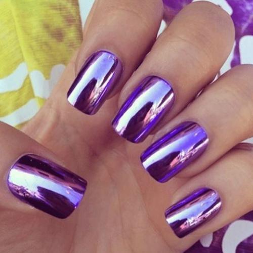 Las uñas espejo se apoderan de Instagram