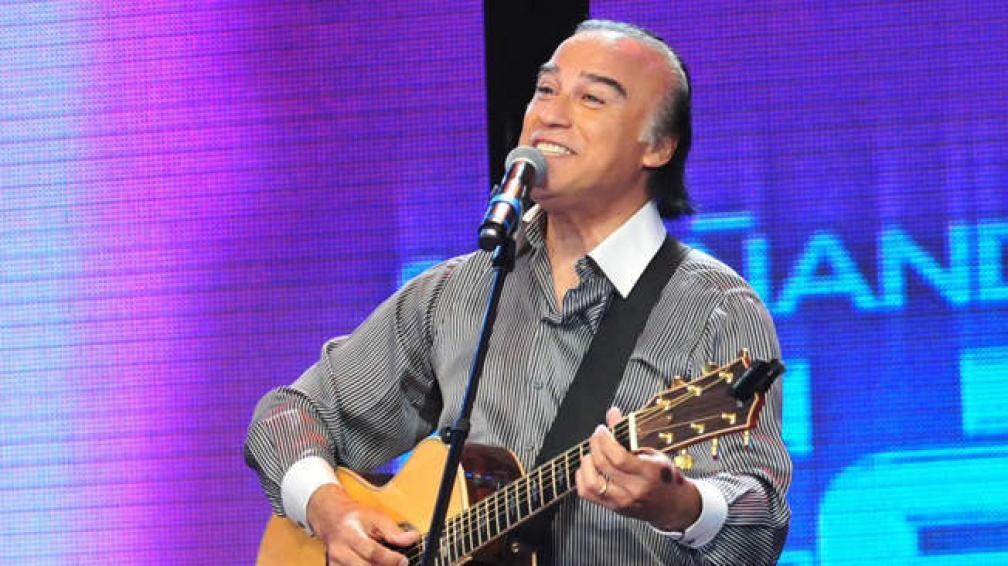 Paz Martínez estará en el show de apertura del festival La Falda bajo las Estrellas.