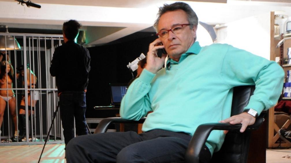 Oscar Martínez interpreta a un director de cine porno en 'Condicionados'.