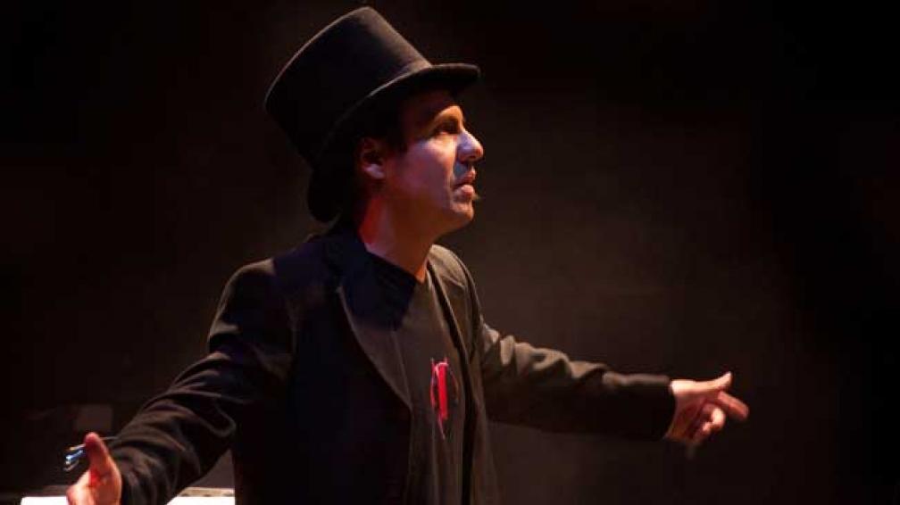 """""""Soy muy montevideano y mi referencia es todo lo que me rodea"""", dice el cantautor Tabaré Cardozo."""