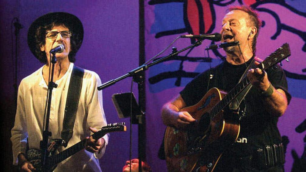 Charly y León, en un show juntos antes de la internación de García. Foto: Archivo.