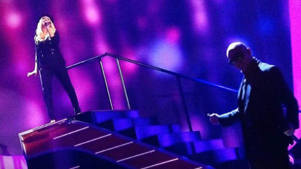 Pitbull y una renovada Christina Aguilera