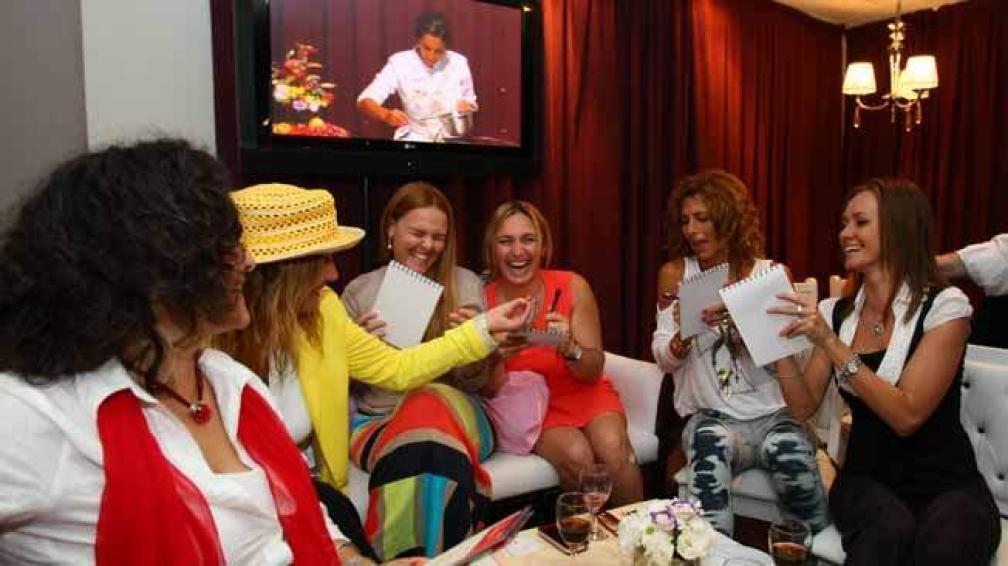 De izquierda a derecha: Viviana Foglino (Córdoba Shopping), Cristina Schwander (Siglo 21), Lorena y Romina Piaze (Vidpia), Erika Trossero (Teleocho)  y Valeria Zupichiatti (Agence).