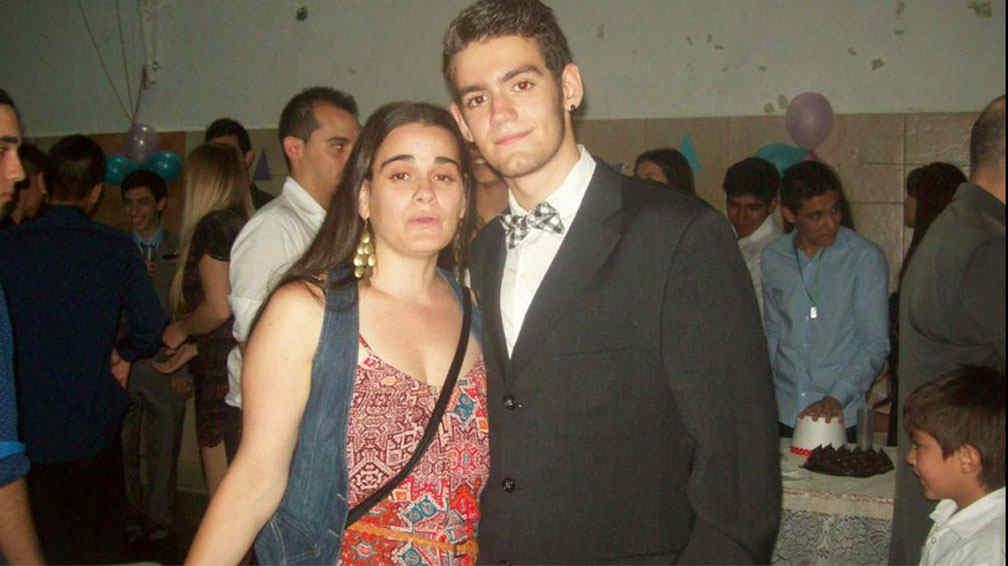 Ramiro Bueno, el hijo del Potro Rodrigo, terminó la secundaria