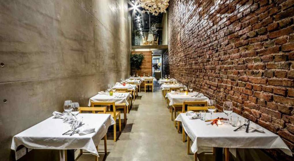 Los secretos de el papagayo el restaurante m s angosto de for Los restaurantes mas clandestinos y secretos de barcelona