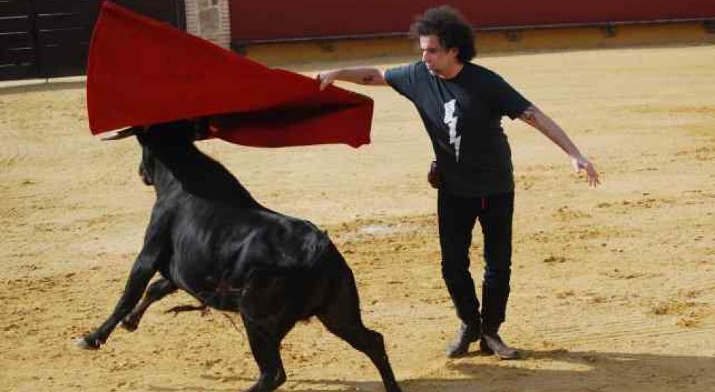 Calamaro fue premiado en España por defender las corridas de toros