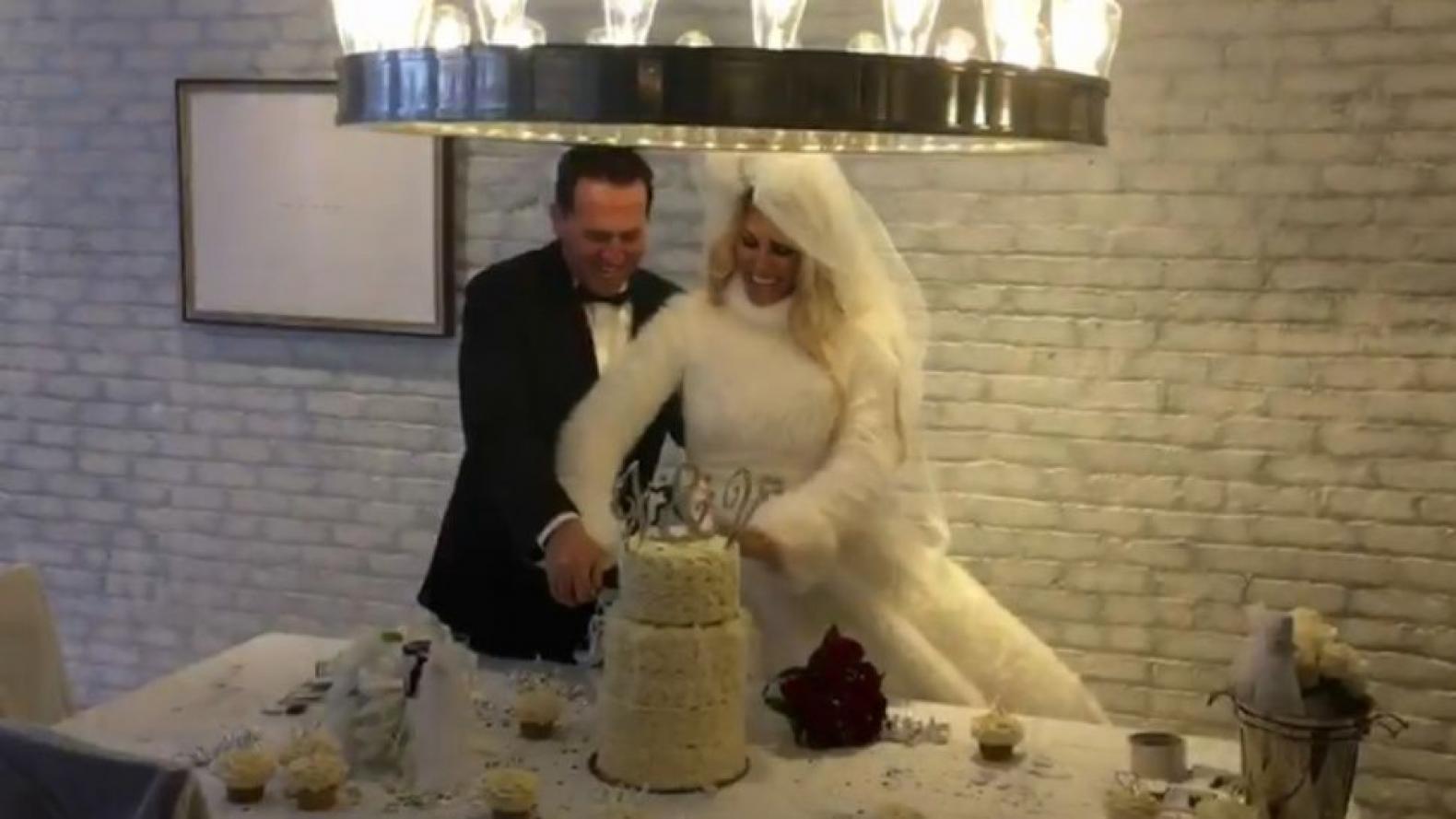 Confite millonario: la boda de Vicky Xipolitakis