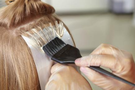 Teñirse el pelo está moda, pero sólo en estos colores