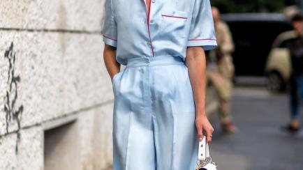 Los pantalones que parecen de pijamas son tendencia esta primavera