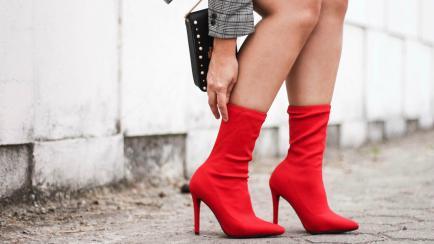 Si las botas blancas no son lo tuyo, éstas sí lo pueden ser