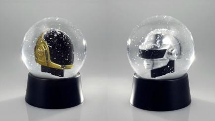 Navidad electrónica: conocé los adornos navideños de Daft Punk