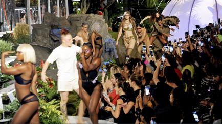 Resumen en fotos: Nueva York cerró sus desfiles con Rihanna, firmas carísimas y más