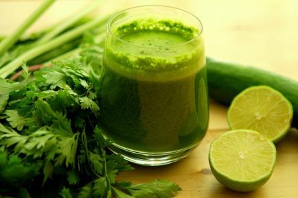 ¿Cómo hacer jugo verde? La bebida detox más tomada