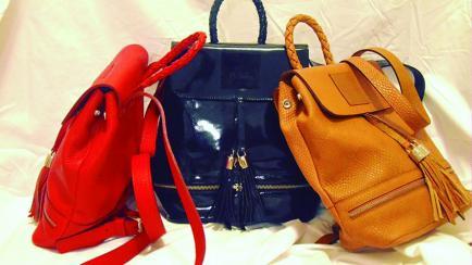 Una bromatóloga cordobesa fabrica mochilas para homenajear a su familia