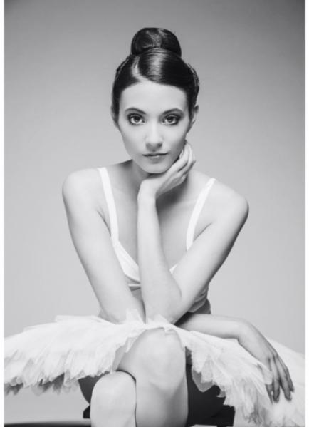 El costado fashion de Carla Quevedo, la actriz que enamora en la serie