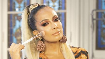 Del trabajo al after: cómo cambiar el maquillaje con cuatro elementos