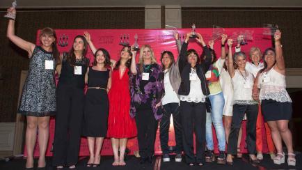 Premio Avon: convocan a mujeres solidarias de todo el país a postular