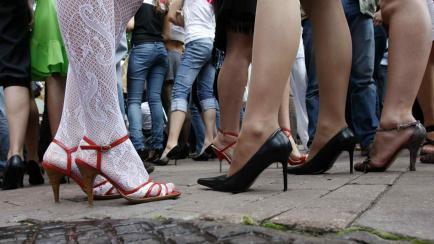 El taco perfecto en zapatos de mujer: enterate cuánto debe medir