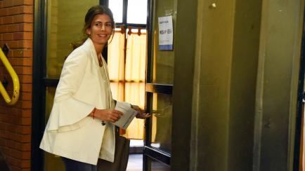 """Votos y fetiche: Juliana Awada lució su """"cábala electoral"""""""