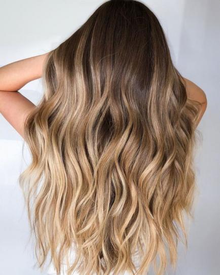 Besado por el sol: así se llama el color de pelo que se impone