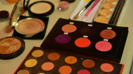 Test al paso: ¿sos adicta a los maquillajes y las cremas?