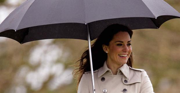 Lindas en la lluvia: mirá cómo elegir las botas que mejor te calcen y lucir un trench