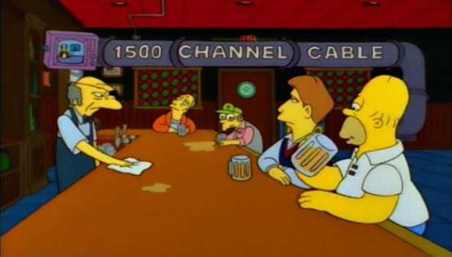 Exceso de canales de televisión, como se puede ver en el bar de Moe.