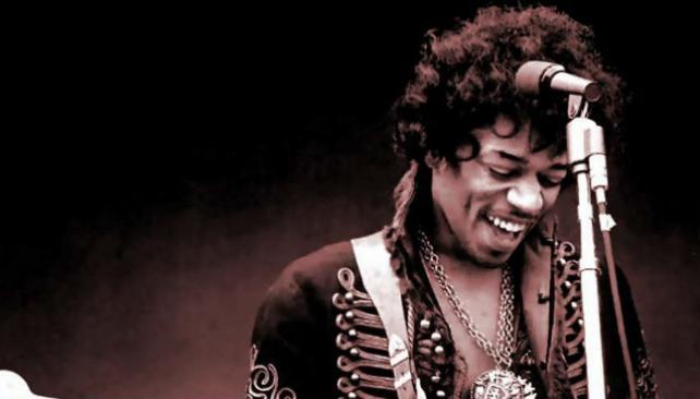 Jimi Hendrix en su versión de holograma. Un calco.