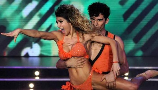 CINTHIA FERNANDEZ, una performance de alto impacto.
