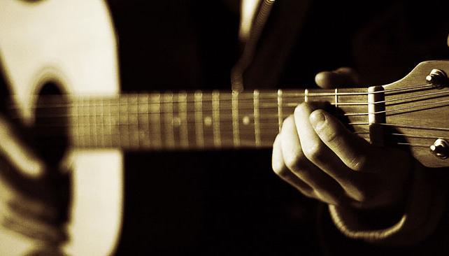 Muchas canciones surgen de momentos difíciles por parte del artista (imagen web).