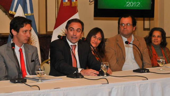 Francisco Marchiaro, Ramón Mestre, Carolina Scotto, Pablo Canedo y Nelda Abed, en la presentación.