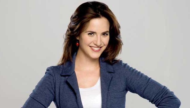 La actriz interpreta a Luna Rivas en la ficción y dice que el personaje la ayudó a soltar algunos prejuicios.