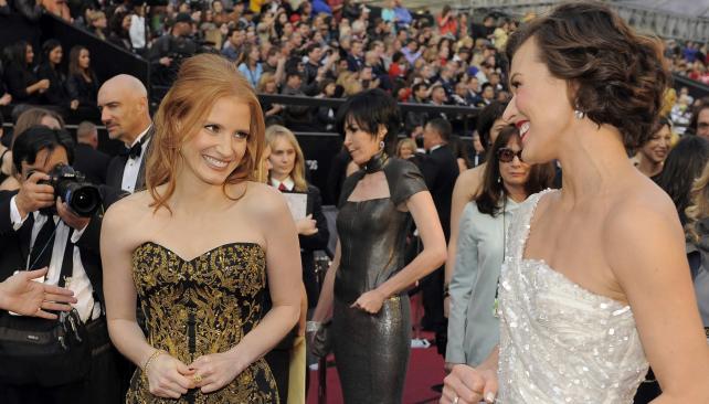 Jessica Chastain y Milla Jovovich, divinas.