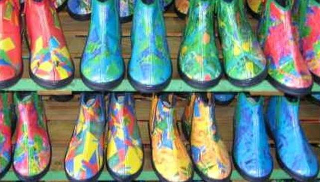 """Botitas de colores para salir a la calle, una de las ideas de """"Sarah Jessy Jones""""."""
