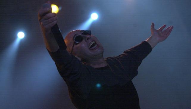 El Indio Solari estuvo de humor cambiante durante el último show de Los Redondos. Fue en el actual Mario Kempes, allá por agosto de 2001.