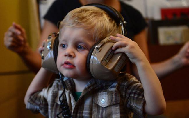 escuela para bebes DJs | VOS