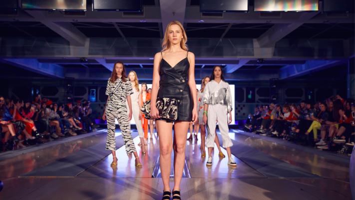 Segundo día de Círculo Moda: un desfile con nivel internacional