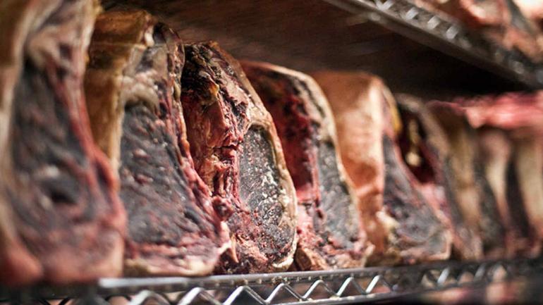 Cada vez más restaurantes incluyen en su carta carnes maduras.