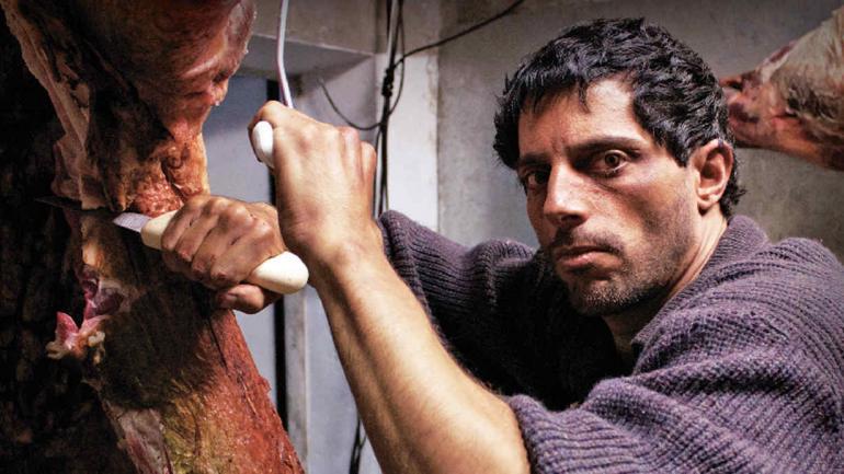Furriel y una transformación magnífica en la película 'El Patrón, radiografía de un crimen'.
