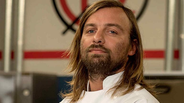 Patrick, surfista y cocinero, se nota que sabe. Y se trenzó varias veces con Christophe. (Telefe).