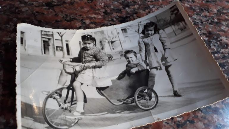 Las hermanas Brane, en la década de 1950.