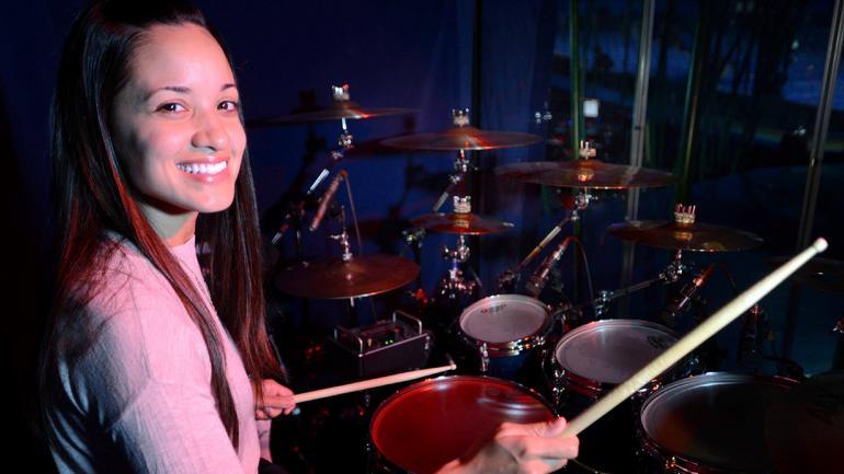 Didi Negron, la baterista de la banda femenina de Amaluna. (Foto: José Hernández / LVI).