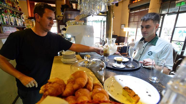El Café de la Plaza es un clásico de Alta Córdoba (foto: Nicolás Bravo).