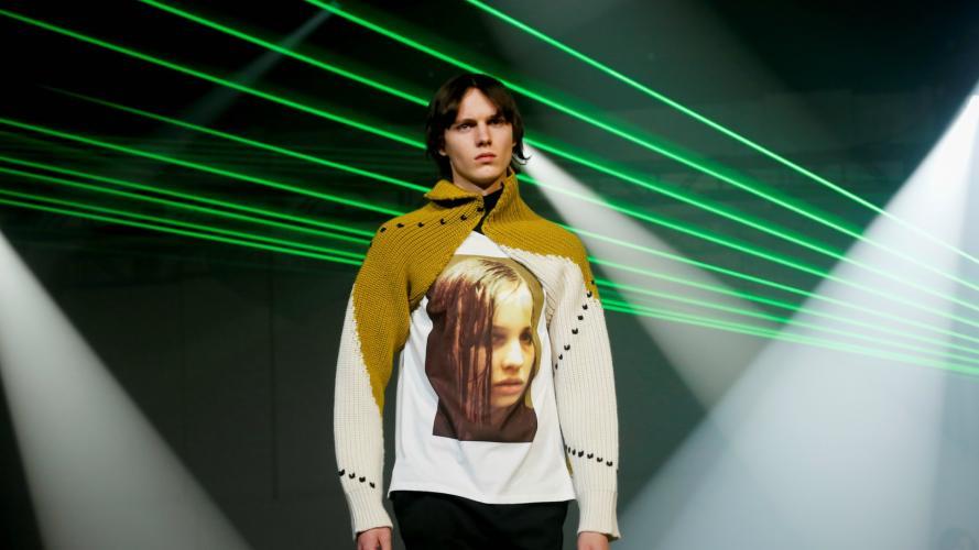 Drogas en Nueva York: se presentó una colección de moda inspirada en una famosa adicta a la heroína