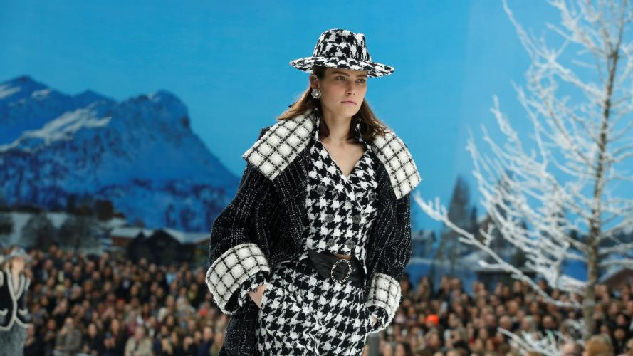 Recuerdo y lágrimas: Chanel mostró la última colección de Karl Lagerfeld en pasarela