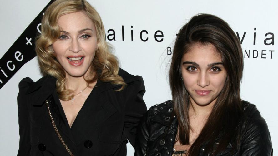 Madonna subió una foto de su hija sin depilarse y los fanáticos la