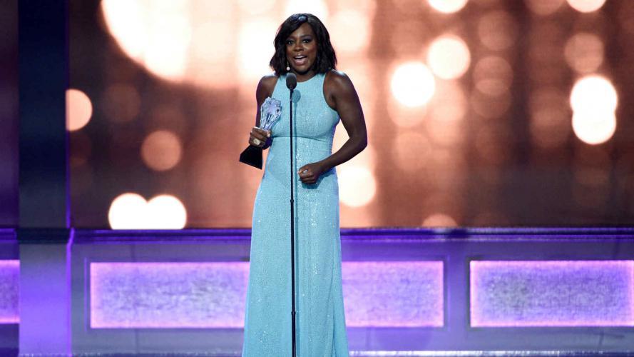 Critics Choice Awards 2016: los looks más impactantes de las famosas